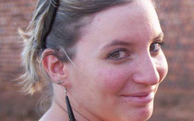 Elise Berchoire, cette jeune Française qui traverse la frontière tous les jours pour une bonne cause